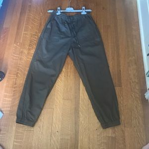 Women's Fitted Cargo Pants